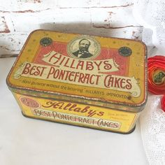 Antique Hillabys Tin Litho Box, Vintage advertising Pontefract Cakes Candy Display Canister, Decorative rustic primitive kitchen storage man cave decor Beautiful and rare tin litho box, has lovely…More 1970s Kitchen Remodel, Ranch Kitchen Remodel, Kitchen Remodel Pictures, Cheap Kitchen Remodel, 1960s Kitchen, Long Kitchen, Narrow Kitchen, Kitchen Remodeling, Primitive Kitchen