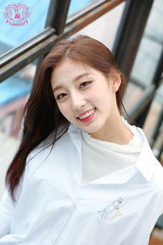 Photo album containing 19 pictures of Yein 4th Anniversary, Anniversary Photos, Kpop Girl Groups, Kpop Girls, Yein Lovelyz, Woollim Entertainment, Sweet Girls, Girl Crushes, Asian Girl
