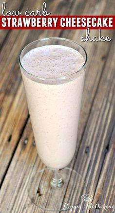 Easy Keto Recipes Discover Guilt Free Low Carb Strawberry Cheesecake Shake - Happy Mothering Looking for a sweet treat you can indulge in on a low carb or ketogenic diet? This Low Carb Strawberry Cheesecake Shake hits the spot every single time! Low Carb Shakes, Keto Shakes, Milk Shakes, Atkins Shakes, Keto Protein Shakes, Low Carb Sweets, Low Carb Desserts, Low Carb Recipes, Diet Recipes