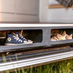 Die Schuhaufbewahrung am richtigen Ort im Camper. Richtig clever.