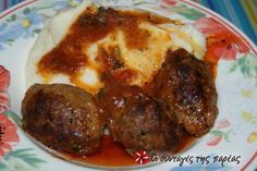 Aromatic soutzoukakia (spicy meatballs in red sauce) Spicy Meatballs, Greek Cooking, Greek Dishes, Red Sauce, Greek Recipes, So Little Time, Yummy Cakes, Yummy Food, Tasty