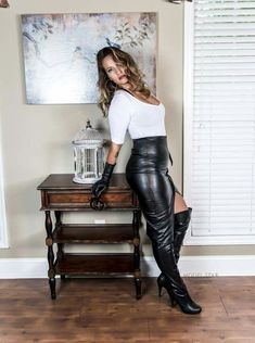 26 ideas for fitness outfits women clothing pencil skirts High Leather Boots, Black Leather Gloves, Black Leather Skirts, Leather Dresses, Sexy Stiefel, Leder Outfits, Womens Workout Outfits, Fitness Outfits, Sexy Boots