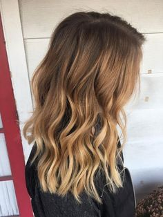Great Pics Balayage Hair golden Suggestions This are famous for several things: thigh-high shoes, floral power, which groovy and rad—a Brown Ombre Hair, Brown Hair With Highlights, Ombre Hair Color, Purple Hair, Golden Highlights, Hair Looks, Pretty Hairstyles, Dyed Hair, Hair Trends