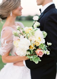 Stems Charleston Florist Yellow and White Bouquet | Brides.com