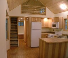 Spacious Park Model Tiny Cabin on Wheels by RPC Published on DECEMBER 21, 2014