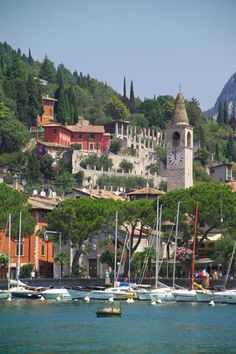 Lake Garda in Italy | Top 10 Amazing Lakes and Valleys to Visit