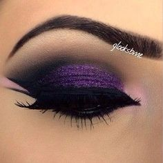 Clean cut... Plus the beautiful purple. Love! Where to buy Real Techniques brushes makeup -$10 http://youtu.be/Ekd8siFfdNA