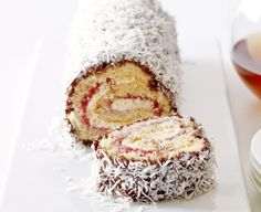 Lamington Roll by Taste. With Australia Day just around the corner, celebrate with this national culinary tradition. Australian Desserts, Australian Food, Australian Recipes, Pavlova, Baking Recipes, Dessert Recipes, Cake Recipes, Dessert Ideas, Aussie Food