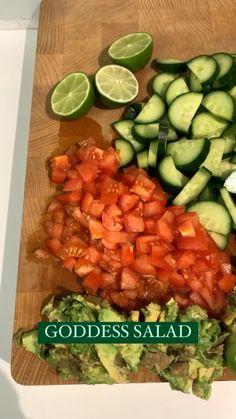 Kabob Recipes, Veg Recipes, Healthy Salad Recipes, Lunch Recipes, Healthy Meals, Healthy Food, Raw Vegan Recipes, Cucumber Salad, Soul Food