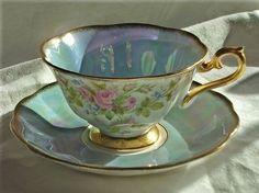 xícara de chá                                                                                                                                                                                 Mais