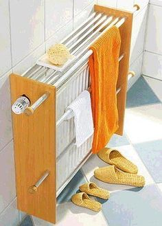 Handtuchtrockner You do not need a towel heater: This self-built towel dryer fits normal heaters. As a result, more towels on the heater space. We show you how to build the towel holder yoursel Towel Heater, Diy Casa, Radiator Cover, Ikea Hack, Home Organization, Home And Living, Home Projects, Diy Furniture, Diy Home Decor