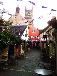 "Cirencester. ""Swan Cafe"" looks like a nice cafe! Spring Break 2013"