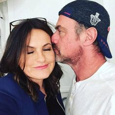 """Law & Order: SVU from TV Cast Reunions That Made Our Nostalgia-Loving Hearts Swell The greatest 2017 Valentine's Day post on Instagram may have come from Detective Benson and Detective Stabler. """"And then that happened... Just when I thought Valentine's Day was over,"""" Mariska Hargitay wrote on Instagram while posing with Christopher Meloni."""