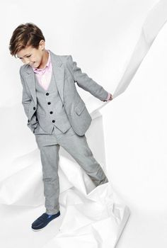ae385d29409d Light Gray Notch Lapel Two Buttons Fashion Kid s Suits Custome Homme  Tuxedos Wedding Party Prom Blazer Boys (Jacket+Pants+Vest)