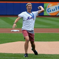 """Bruce Adler on Instagram: """"Had the opportunity and privilege to meet and photograph US National Women's Soccer team captain, Olympic gold medalist and World Cup champion @AbbyWambach throwing out the first pitch this morning at Citi Field. #USNWT #SheBielieves #USSoccer Photo by Bruce Adler"""""""