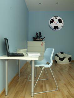 Tiché nástenné hodiny pre deti futbalové Office Desk, Corner Desk, Furniture, Home Decor, Cuba, Corner Table, Desk Office, Decoration Home, Desk