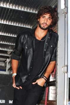 Discover recipes, home ideas, style inspiration and other ideas to try. Beautiful Boys, Gorgeous Men, Beautiful Figure, Brazilian Male Model, Leather Men, Leather Jacket, Celebrity Dads, Bearded Men, Male Models