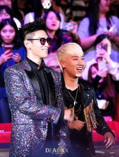 TOP and Seungri | MAMA 2015 (151202)