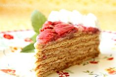 Layered Graham Cracker Cake with Strawberries