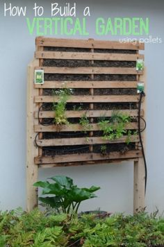 The Homestead Survival | How to Build a Vertical Garden Using Wood Pallets | Homesteading - Gardening - Green Thumb Knowledge - Vertical Gardening
