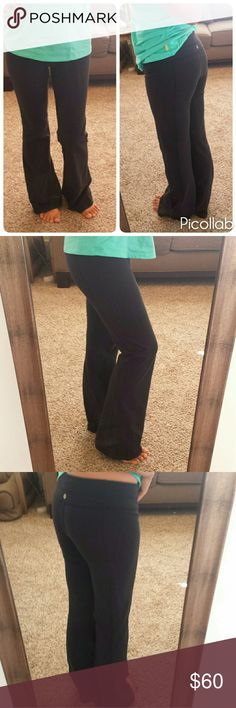 Lululemon Athletics Black Yoga Pants Size 6 These are in great shape with minimal wear.  No pilling, just overall slight wash wear. Inseam 30 lululemon athletica Pants