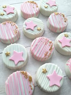 Twinkle Twinkle Little Star Birthday Party Baby Shower Cookies-Chocolate Covered Oreos TheIcedSugarCooki. Milk And Honey Bakery Torta Baby Shower, Cupcakes Baby Shower Niño, Shower Cakes, Baby Shower Parties, 1st Birthday Girls, Birthday Parties, Birthday Ideas, Birthday Cupcakes, Cake Pops