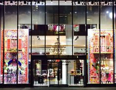 @dolcegabbana Lights on the Dolce&Gabbana Boutique in NYC for tonight's  #DGPYJAMAPARTY