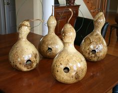 how to make birdhouse gourds.  need to get started on mine.