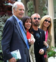 May 2008 From left: Sir George Martin with Olivia Harrison, wife of George Harrison, Beatles drummer Ringo Starr and his wife Barbara Bach, standing in a garden dedicated to the memory of George Harrison. Olivia Harrison, George Harrison, Beatles Photos, The Beatles, Sir George Martin, Step Kids, The Fab Four, Rock Legends, Rare Photos