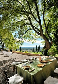 The Château de Moissac and its garden. Hire of a property offering sublime decors for your photo shoots in Provence. The Château de Moissac and its garden. Hire of a property offering sublime decors for your photo shoots in Provence. Italian Villa, Italian Garden, Provence France, Provence Style, Interior Garden, French Chateau, French Country Style, South Of France, Outdoor Dining