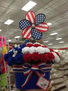 Patriotic table arrangement