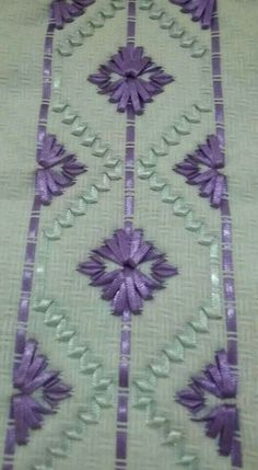 Wonderful Ribbon Embroidery Flowers by Hand Ideas. Enchanting Ribbon Embroidery Flowers by Hand Ideas. Swedish Embroidery, Learn Embroidery, Shirt Embroidery, Embroidery Fashion, Embroidery Stitches, Embroidery Designs, Ribbon Embroidery Tutorial, Silk Ribbon Embroidery, Ribbon Art