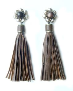 Antique Mabé Pearl and Enamel, Cocoa Leather Tassels Leather Tassel, Cocoa, Art Decor, Tassels, Jewelry Design, Pearls, Antiques, Antiquities, Antique