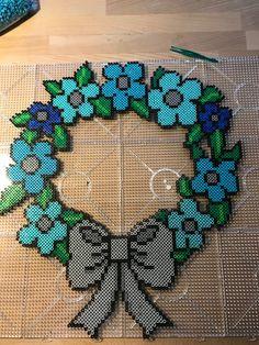 Hama, Artkal beads. Krans av blommor/wreath of flower