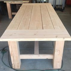 Douglas Fir is a pain to work with because it wants to splinter bad. But if you can get a good sanding on it, it looks wonderful. Diy Furniture Table, Farmhouse Furniture, Furniture Projects, Dinning Room Tables, Diy Dining Table, Dining Rooms, Homemade Kitchen Tables, Diy Esstisch, Wood Shop Projects