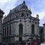 Chateau de Versailles - Andre Le Notre, Louis Le Vau, Jules Hardouin-Mansart, Charles Le Brun, Robert de Cotte, Ange-Janques Bagriel - Great Buildings Architecture
