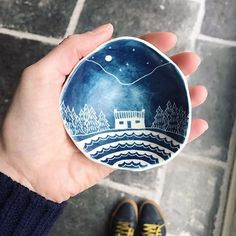 Once upon a time there was a giant who held a tiny mystical kingdom in their hand  In case you missed it yesterday this bowl is part of a giveaway I've got running till Sunday (11/02/18). For your chance to win this little pinch pot sign up for my newsletter linked in my profile. Then hop back to my last post on the grid where there are two other dinky treats up for grabs. . . . #sgraffito #pinchpot #mystical #wilderness #wildernessculture #cabinlife #mountainscape #nightskies #ringdish…