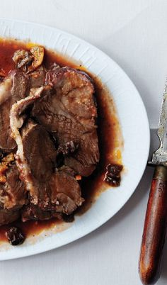 This meltingly tender and flavorful Lamb Pot Roast with Oranges and Olives has true star appeal. Lamb Recipes, Dinner Recipes, Cooking Recipes, Braised Lamb, Olive Recipes, Baa Baa, Thing 1, Fast Dinners, Black Sheep