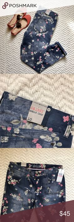BRAND NEW Tommy Hilfiger floral jeans Super adorable floral print skinny ankle crop jeans by Tommy Hilfiger. They're a vintage blue color with pink and green floral pattern. They're brand new with tags!! Originally $79.50. Would be cute paired with a colorful spring outfit!!! Size 10. (Orange Talbots flats also for sale in another listing) Tommy Hilfiger Jeans Ankle & Cropped