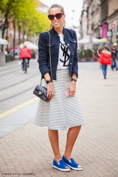 Fashion: how to wear midi skirt and sneakers / photo by Street Style Seconds