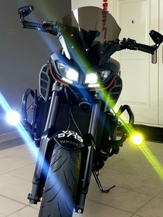 The importance of Foglights: Hiway Riding, during downpours and when splitting lanes during traffic jam. These lights are life savers. I chose to have one side yellow because coloured lights cuts thru fog and mist better. Yamaha Fz 09, Bike Design, Life Savers, Sport Bikes, Cars Motorcycles, Mists, Bob, Dreams, Bedroom