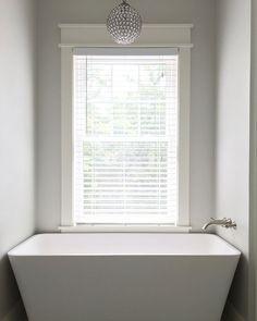 Mirolin Sydney Acrylic Skirted Tub 60 Inch x 30 Inch Right Hand