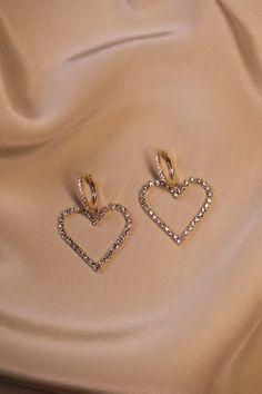 Heart from diamond earrings - Heart from diamond earrings - - . - Heart from diamond earrings – Heart from diamond earrings – – – - Dainty Jewelry, Cute Jewelry, Jewelry Accessories, Jewelry Necklaces, Gold Bracelets, Vintage Jewelry, Jewelry Logo, Silver Jewellery, Amber Jewelry