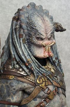predator and avp image Alien Vs Predator, Predator Alien, Predator Costume, Sculptures, Lion Sculpture, Alien Creatures, Xenomorph, Creature Design, Figurative Art