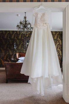 A timeless navy and coral Lancashire wedding: Rachael Blackburn and Michael Barnes | weddingsite.co.uk