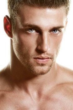 heath hutchins by nick spanos Heath Hutchins, Beautiful Men Faces, Gorgeous Men, Stunning Eyes, Beautiful People, Blonde Guys, Dark Blonde, Gray Eyes, Blue Eyes