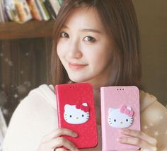 Featuring a cute Hello Kitty face in 3D on a glossy enamel leather texture,Glossy Enamel Hello Kitty 3D Wallet Case for Galaxy Note 3is the perfect accessory for girls and women who desire to protect their smartphone with cuteness and elegance.