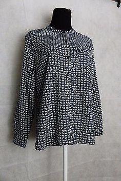 Liz Claiborne Woman Long sleeve Blue with white horses button up blouse Size M