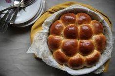 Danubio.   Parente del babà e del casatiello, è una specie di torta salata.  #raccontidicucina @afrenda