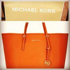 . Hermes Orange, Simple Words, Michael Kors Jet Set, Fashion Forward, What To Wear, Jewelry Accessories, Belt, Orange Leather, Tote Bag